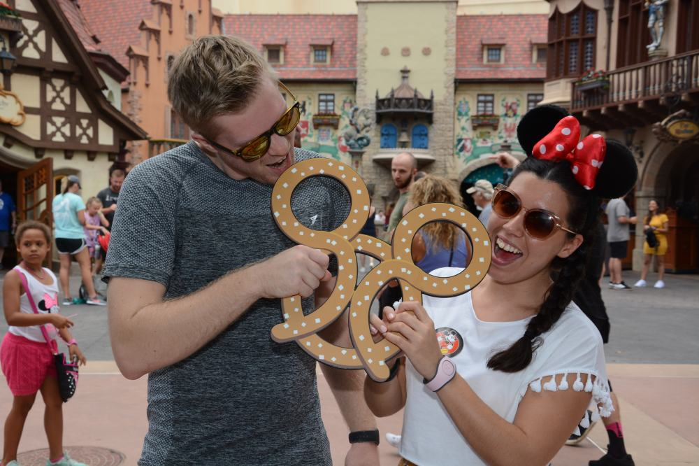 PhotoPass_Visiting_EPCOT_413377227506